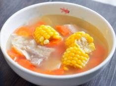 胡萝卜玉米排骨汤胡萝卜玉米排骨汤的做法