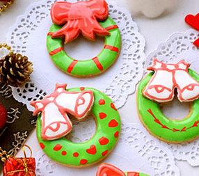 圣诞花环糖霜饼干的家常做法