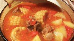 番茄玉米土豆排骨汤的做法视频