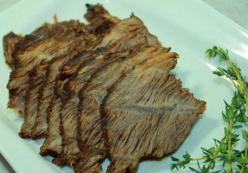 如何自制简单又好吃的家庭五香酱牛肉