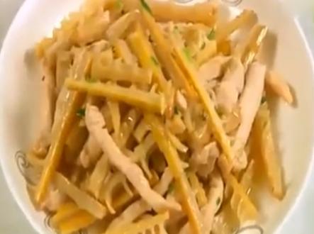 竹笋烧鸡条的做法视频