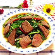 韭菜猪肝的做法
