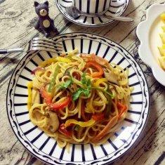 中式火腿蔬菜炒意面的做法