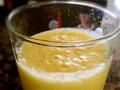 冰镇鲜榨菠萝汁的做法