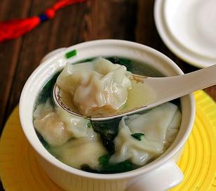 鲜虾鸡汤馄饨的家常做法