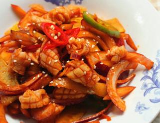 韩式凉拌鱿鱼的家常做法 凉拌爽口好吃的韩国新鲜鱿鱼