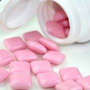 【口香糖咽下去怎么办】口香糖咽下的危害_口香糖有毒吗