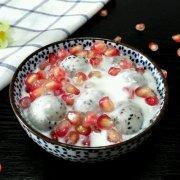石榴火龙果酸奶沙拉的做法