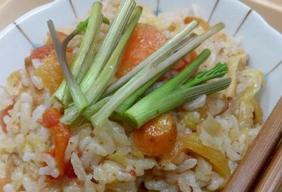 胡萝卜番茄蒸米饭的做法