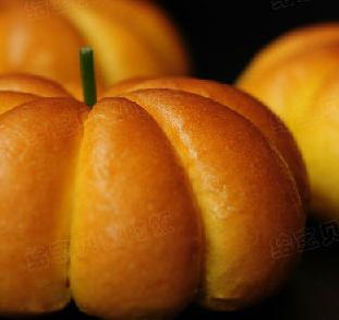 南瓜蔓越莓面包的家常做法