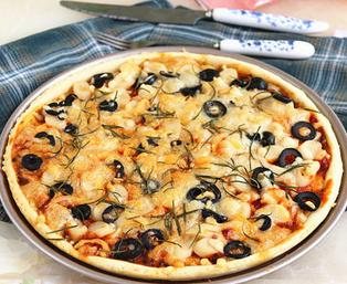 蟹肉鱼肠披萨的家常做法