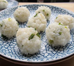 蒸米饭丸子的家常做法