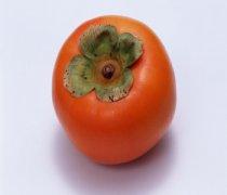 【脆柿子的热量】脆柿子的皮能吃吗_脆柿子的功效_脆柿子不能和什么一