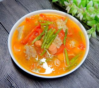 西红柿芦笋肉片汤的家常做法