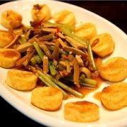 香干芹菜榨菜丝的做法