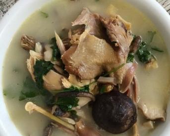 腊野鸡香菇汤的家常做法