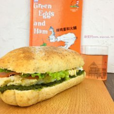 绿鸡蛋火腿三明治的做法