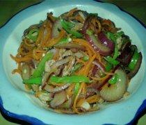 【洋葱胡萝卜炒肉】洋葱胡萝卜炒肉的做法_洋葱胡萝卜炒肉的营养价值