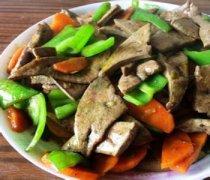 【[胡萝卜炒猪肝】胡萝卜炒猪肝的做法_胡萝卜炒猪肝的营养价值