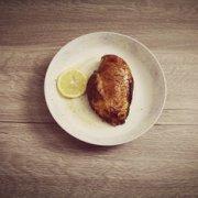 香煎鸡胸肉的做法