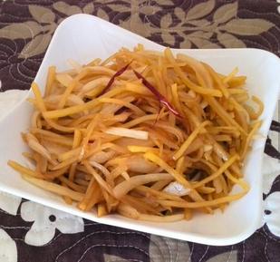 酸辣洋葱土豆丝的家常做法