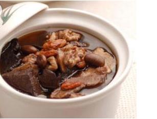 制首乌排骨汤的家常做法