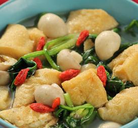 菠菜口蘑烩豆腐泡的家常做法