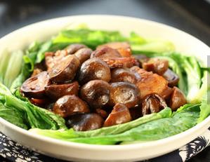 草菇肉片的家常做法