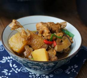 香菇土豆焖鸡的家常做法